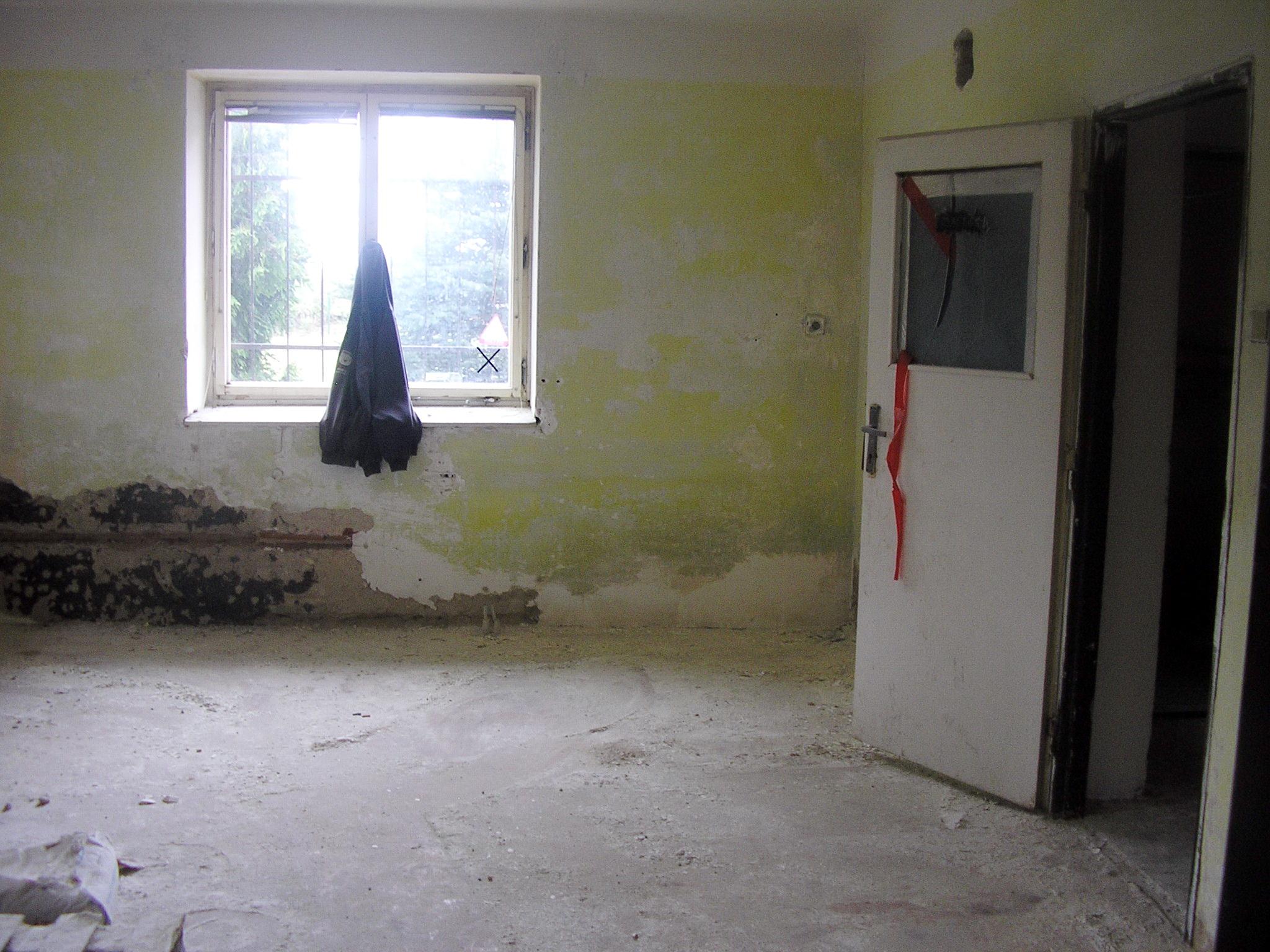 místnost v pøízemí